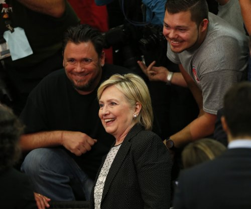 Hillary Clinton leads Donald Trump in defense contractor donations