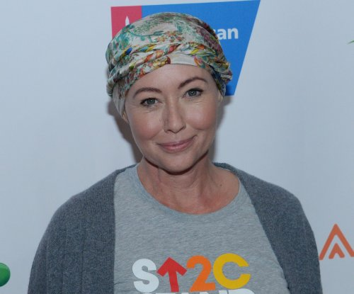 Shannen Doherty walks red carpet after finishing chemo: 'I feel great'