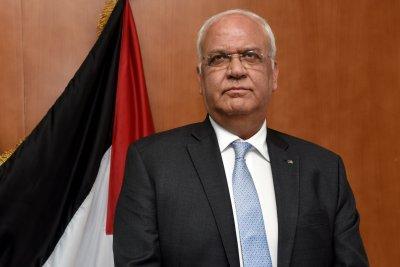 Longtime Palestinian negotiator Saeb Erekat dies of COVID-19