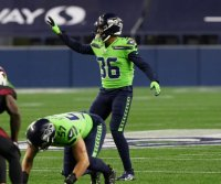 Seattle Seahawks re-sign veteran defensive back Damarious Randall