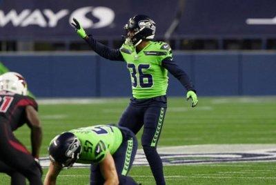 Seattle Seahawks re-sign veteran defensive back Damarious Randall