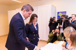 Iceland holds elections with record number of parties expected to take power