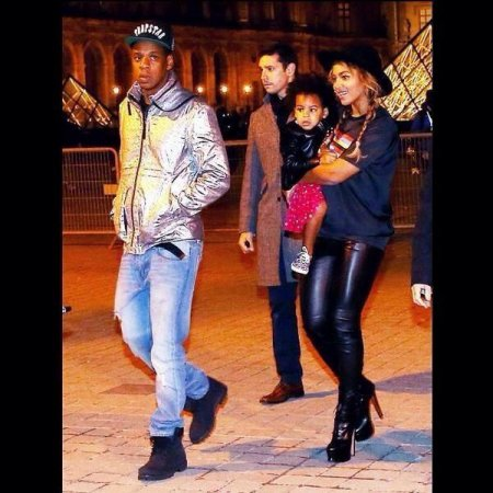 Blue ivy beyonce and jay z visit the louvre
