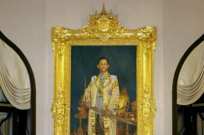 Man sentenced to 25 years in prison for remarks critical of Thai monarchy