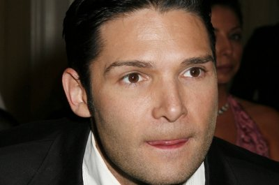 Corey Feldman and Tommy Davidson to trade lives on 'Celebrity Wife Swap'