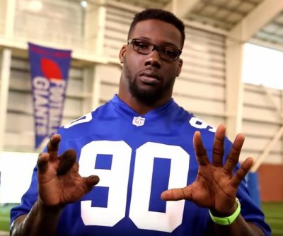 Giants' Jason Pierre-Paul shows mangled hand in fireworks safety video