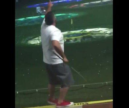 Tipsy golfer takes a tumble at Texas driving range