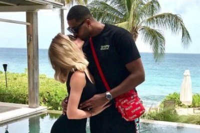 Khloe Kardashian kisses Tristan Thompson amid pregnancy rumors