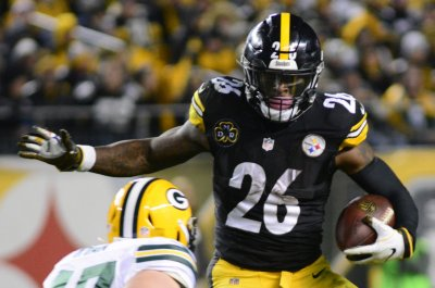Le'Veon Bell wants to remain with Steelers, not be traded