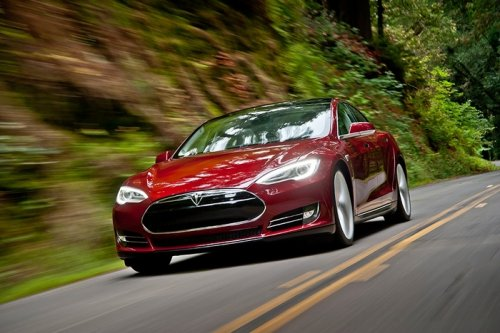 Auto Outlook: Feds look into 3rd Tesla Model S fire in six weeks