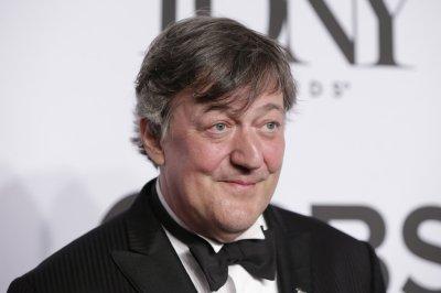 Stephen Fry to marry Elliot Spencer