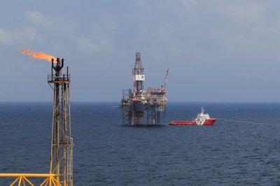 Surveys begin in Gulf of Mexico rig fire