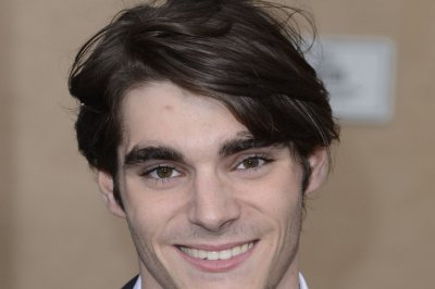 'Breaking Bad' actor RJ Mitte makes catwalk debut at Men's Fashion Week