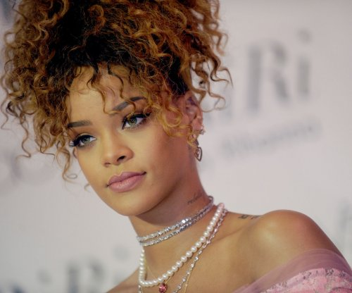Rihanna, Selena Gomez to perform at the Victoria's Secret Fashion Show
