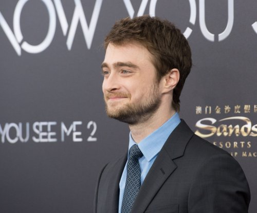 Daniel Radcliffe, Jimmy fallon compare look-alikes on 'Tonight Show'