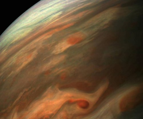 Juno camera offers stunning image of Jupiter swirling surface