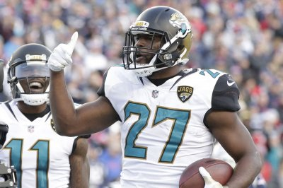 Bills' Shaq Lawson fined over $33K for fight with Jags' Leonard Fournette