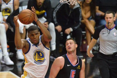 Durant scores 50, Warriors top Clippers 129-110 to advance