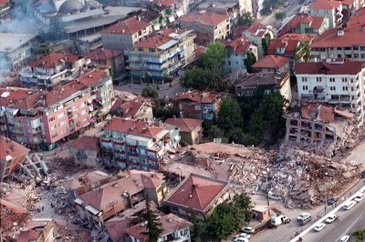 On This Day: Earthquake in Turkey kills 17,000