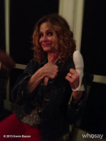 Kyra Sedgwick loses finger tip while chopping kale