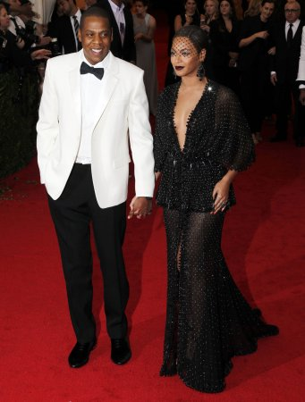 Solange Knowles seen attacking Jay Z in elevator security footage