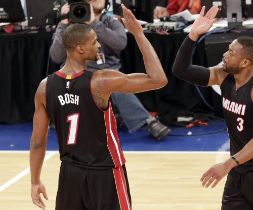 Chris Bosh cleared to begin camp with Miami Heat