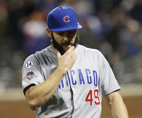 Jake Arrieta homers, pitches Chicago Cubs to win over Arizona Diamondbacks