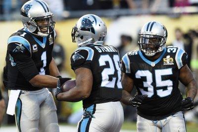 Carolina Panthers hold off Arizona Cardinals to snap 4-game losing streak