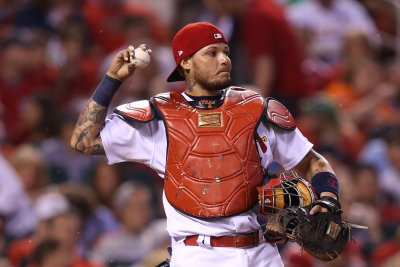 Yadier Molina, Mike Leake shine as St. Louis Cardinals throttle Washington Nationals
