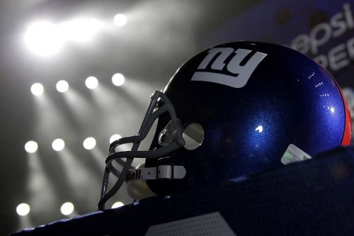 Giants re-sign offensive lineman Greco