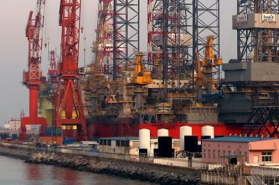 Rig company Diamond Offshore mentions 'prolonged downturn'