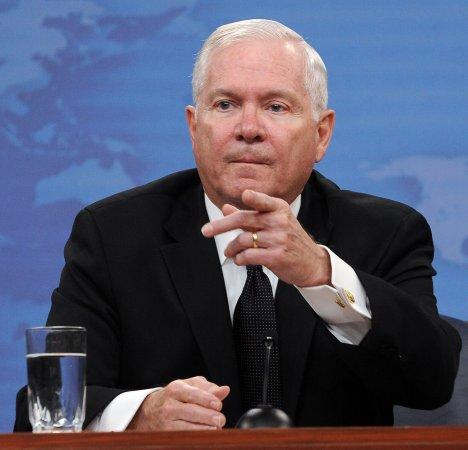 U.S., China must cooperate, Gates says