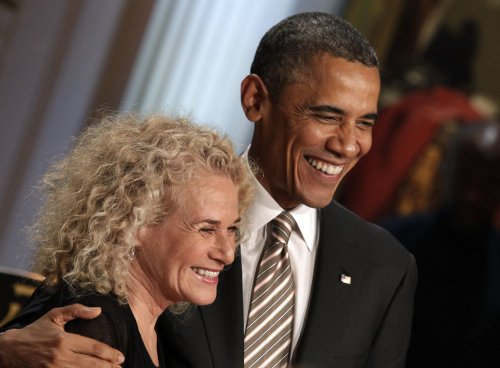 Obama presents Carole King with Gershwin Prize