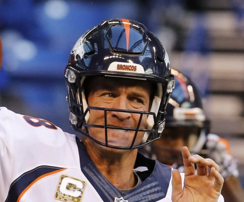 Report: Denver Broncos' Peyton Manning has torn plantar fascia in foot