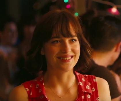 Dakota Johnson, Rebel Wilson star in 'How to Be Single' trailer