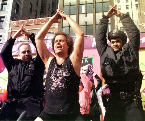 Richard Simmons thanks doctors, nurses and police following hospitalization