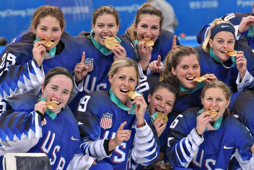Team USA wins gold medal in women's hockey after stunning shootout