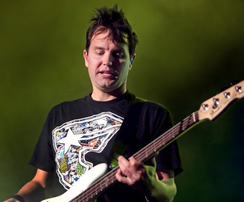 Blink-182 releases lyric video for 'Bored to Death'