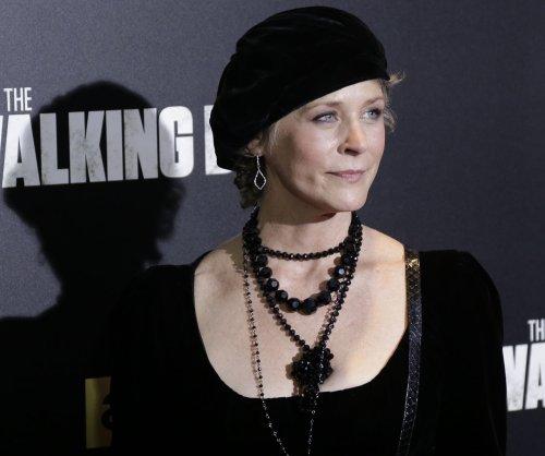 AMC renews 'The Walking Dead' for Season 8