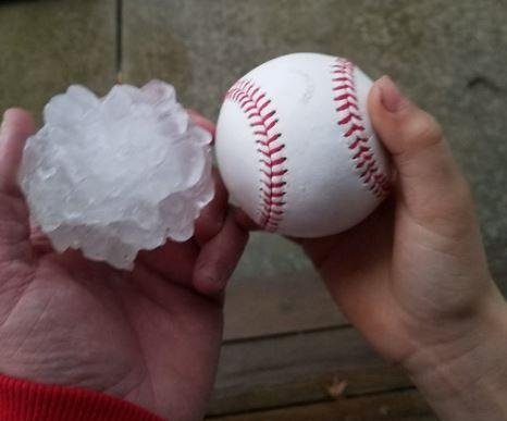 Severe weather produces tornadoes, large hail around Chicago