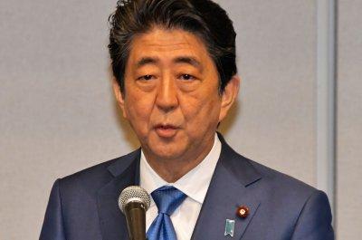 Shinzo Abe denies meeting with vet school chief