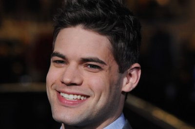 Jeremy Jordan joins cast of 'Waitress' on Broadway