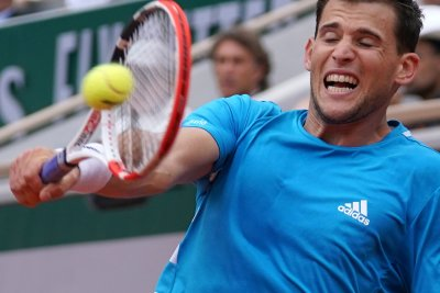 French Open: Dominic Thiem, teen Amanda Anisimova move on to quarterfinals