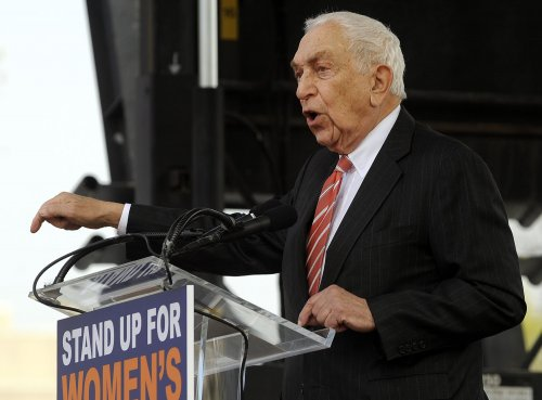 U.S. Sen. Frank Lautenberg of New Jersey dies at 89