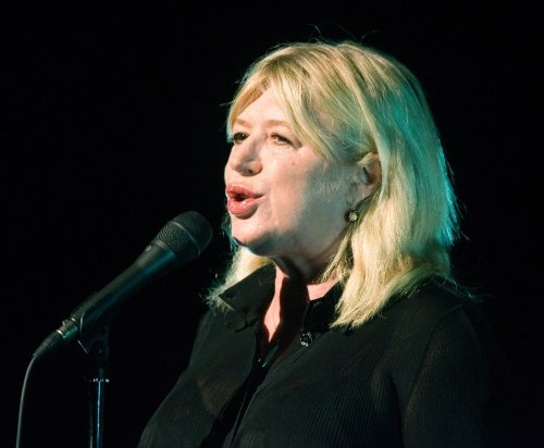 French honor Marianne Faithfull