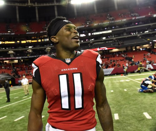Atlanta Falcons hold off Philadelphia Eagles' comeback bid