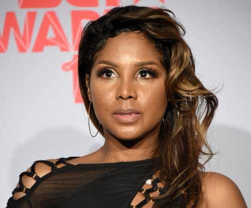 Toni Braxton home from hospital after lupus scare