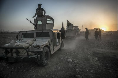 Iraqi forces move to retake Mosul from Islamic State
