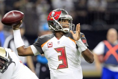 Jameis Winston's play offers silver lining for Tampa Bay Buccaneers
