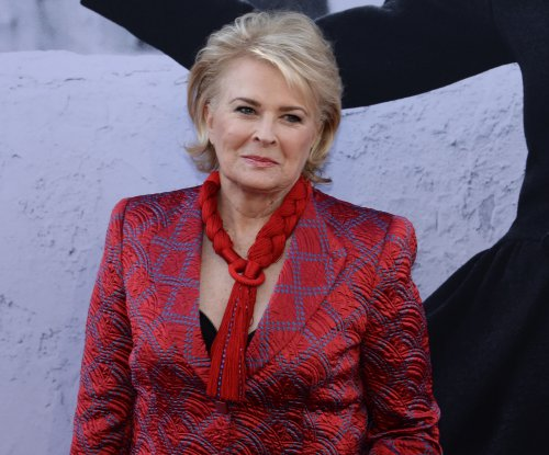 Candice Bergen shares first photo from set of 'Murphy Brown' revival